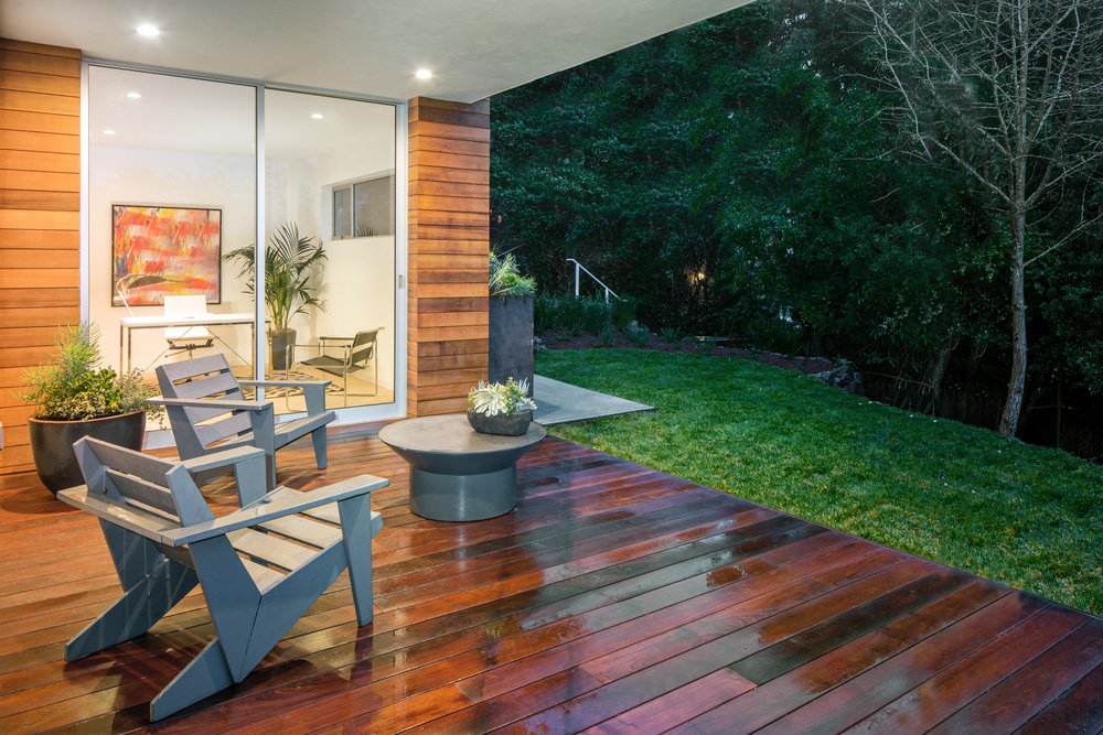 wood deck, outdoor deck, deck chairs, green yard